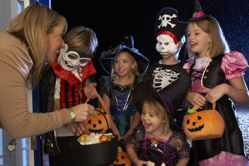Halloween Safety For Trick or Treaters, Parents & Drivers